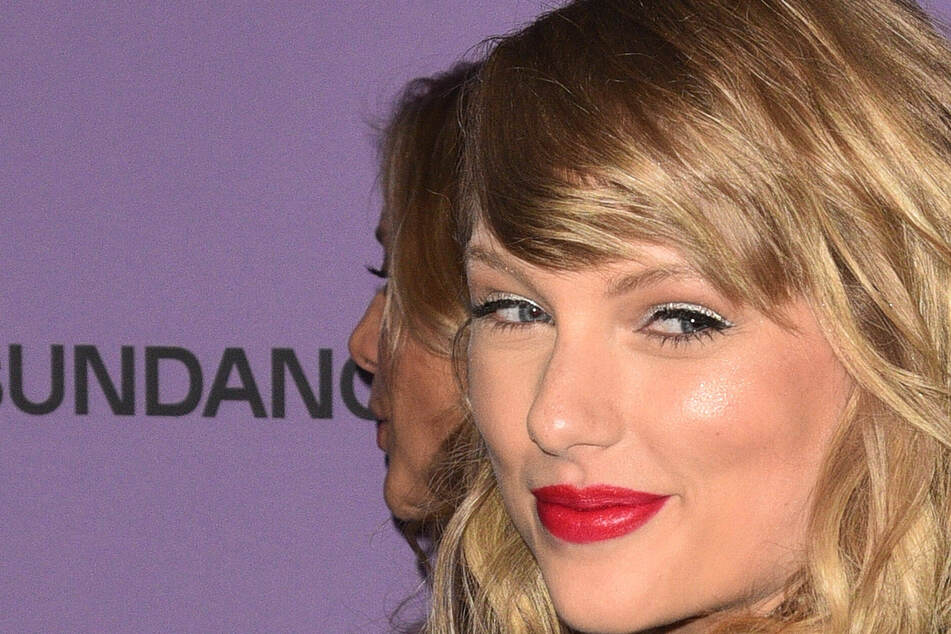 Fans are obsessing over another hint of Taylor Swift's next re-released album