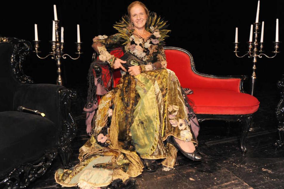 Im Kostüm ging Cornelia Funke auf Lesereise.