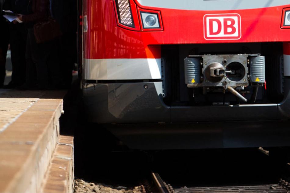 Person von Zug erfasst! Mega-Störungen im Frankfurter S-Bahn-Verkehr