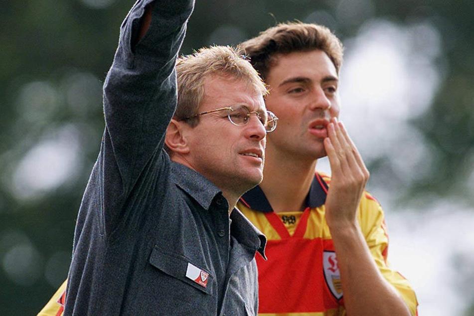 Gut 17 Jahre ist es her: Sreto Ristic (r.) an der Seite von Trainer Ralf Rangnick beim VfB.