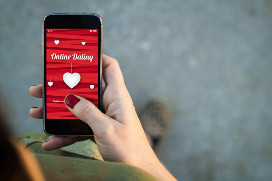 Über eine Dating-Plattform lernten sich die Singles kennen. Doch das Treffen endete in einem Raub. (Symbolbild)
