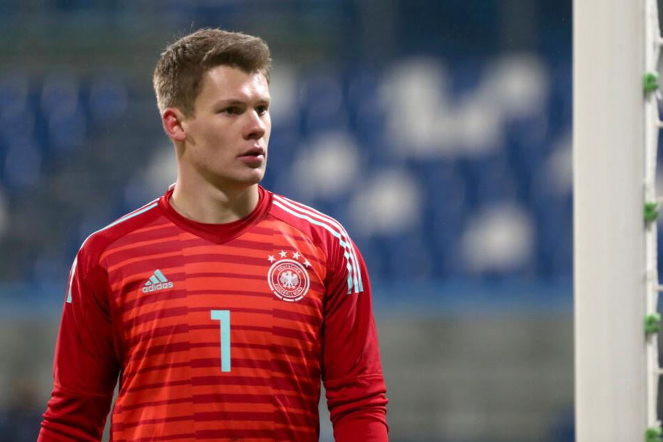 Alexander Nübels (22) Vertrag bei Schalke 04 endet 2020. Königsblau will verlängern, will der U21-Nationalkeeper auch oder wechselt er noch in diesem Sommer?