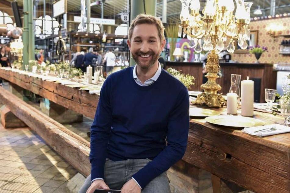 Daniel Boschmann moderiert die neue Kochshow auf Sat1.