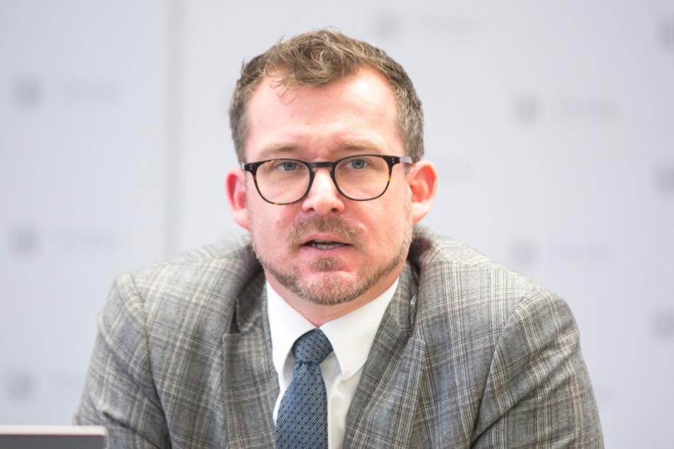 Hat Raoul Schmidt-Lamontain (43, Grüne) falsche Prioritäten gesetzt?