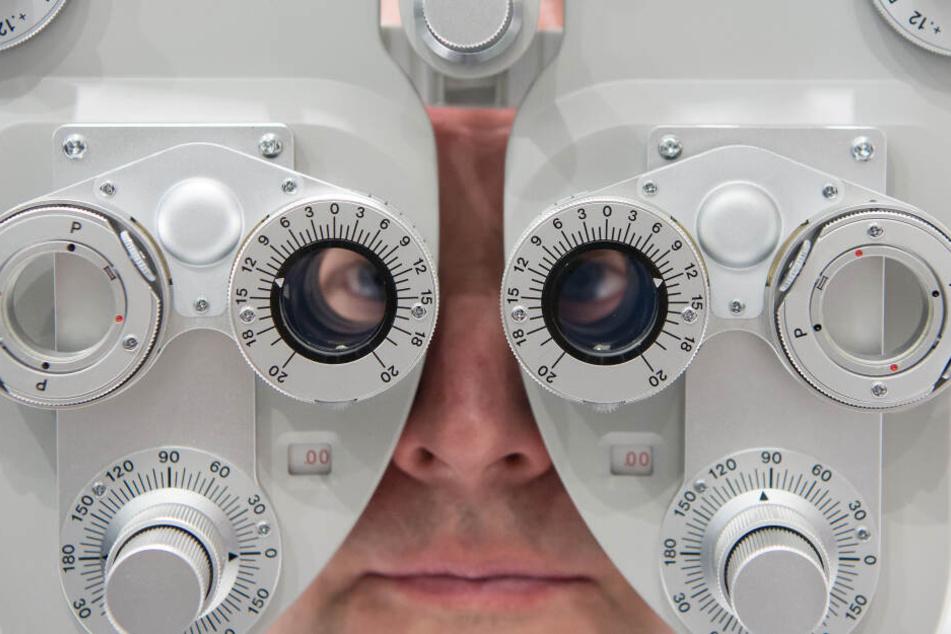 In einer Augenarztpraxis wurden elf Personen verletzt. (Symbolbild)