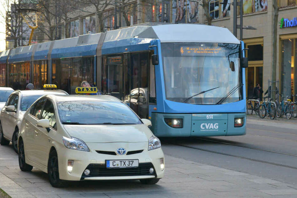 Chemnitz: Busse, Bahnen, Taxis: So kommt Ihr gut zur Silvester-Party