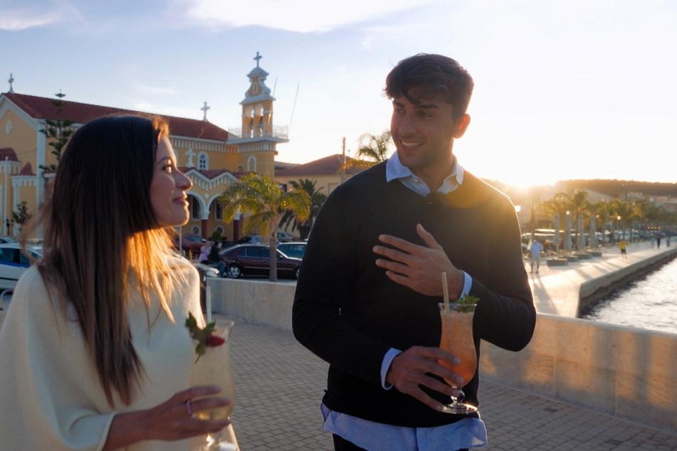 In der letzten Woche unterhielten sich Julian (27) und Maxime (26) angeregt über ihre Zukunft. In der Villa legte er sich mit Lars (24) an.