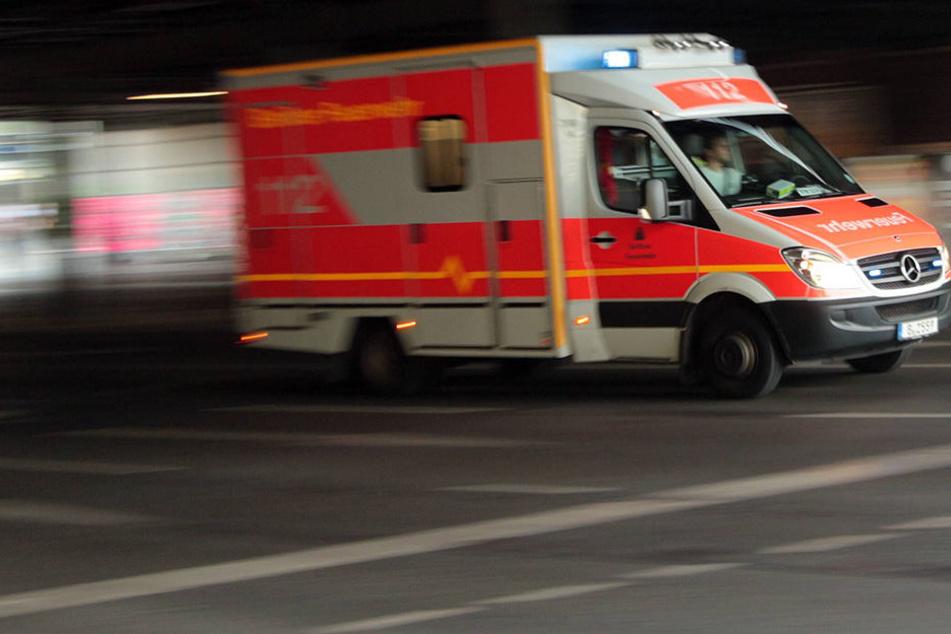 In Halle wurde ein Mann mit einem Messer verletzt - offenbar war sein Angreifer von seinem Gesang genervt.