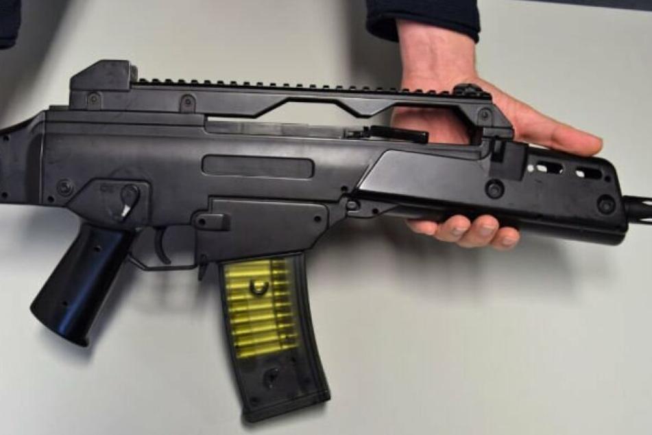 Softair-Waffen ähneln echten Waffen.