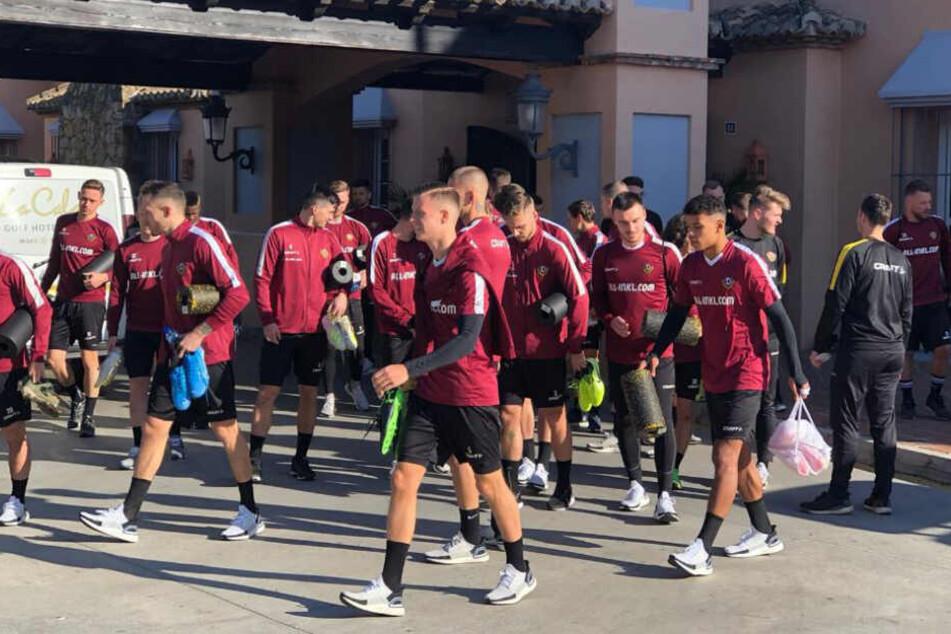 Die Schwarz-Gelben schlagen für rund eine Woche ihr Trainingslager in einer Hotel-Anlage im spanischen Mijas auf.