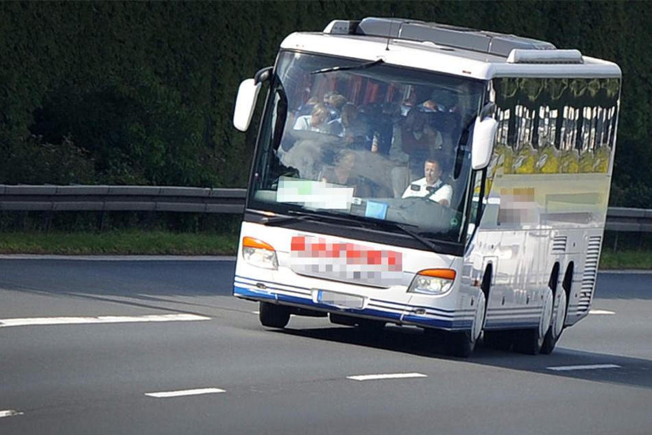 Reisebus vergisst Fahrgast an Autobahn