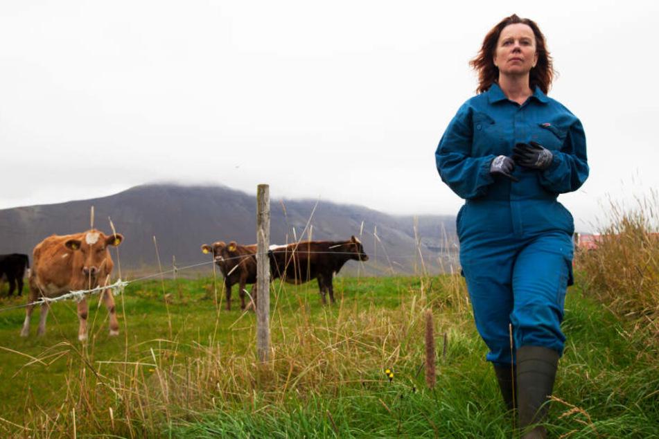 Inga (Arndís Hrönn Egilsdóttir) ist durch ihre langjährige Arbeit als Bäuerin abgehärtet und weiß mit Schwierigkeiten umzugehen.
