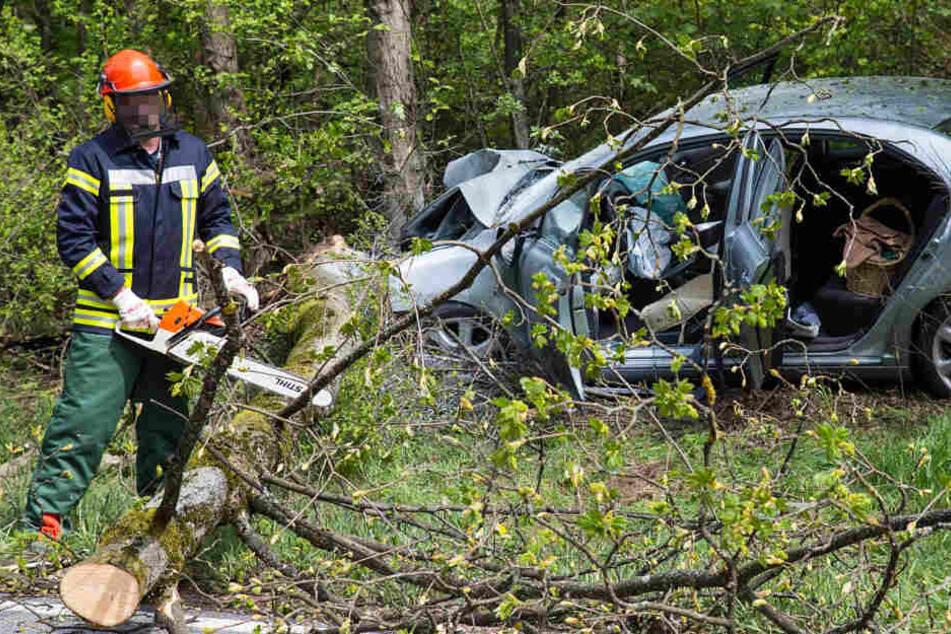 Der Unfall ereignete sich am Donnerstag gegen 13 Uhr auf der B417.