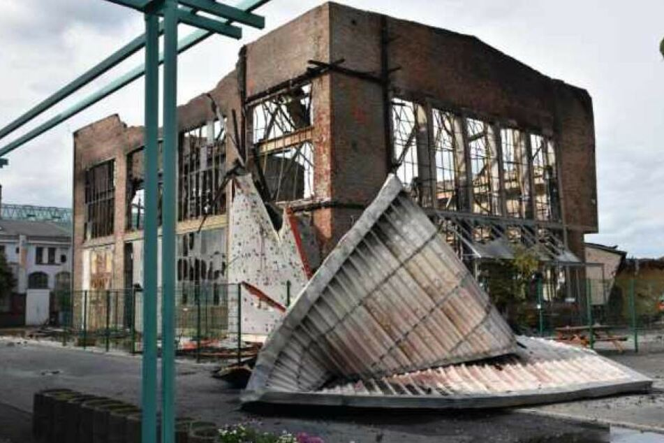 So sah die abgebrannte Kletterhalle am Tag nach dem Feuer aus.