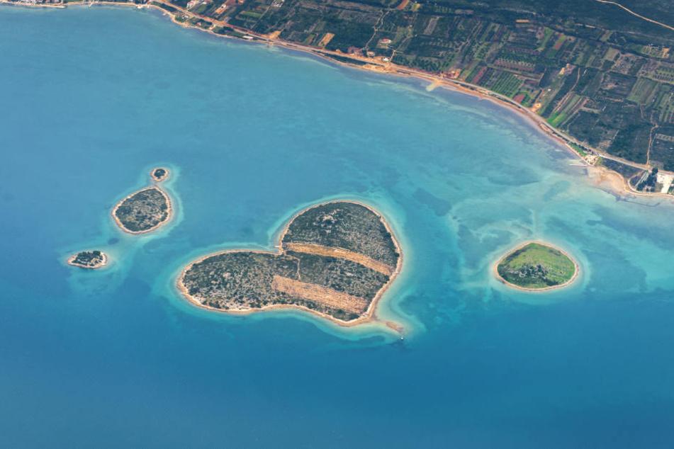 Die Insel Galešnjak vor der kroatischen Küste ist wegen ihrer Herzform weltweit bekannt.