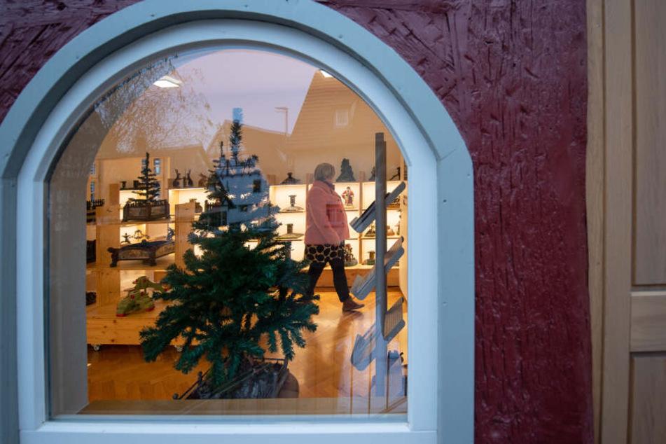 Kurios! Das stellt ein weihnachtliches Museum aus!