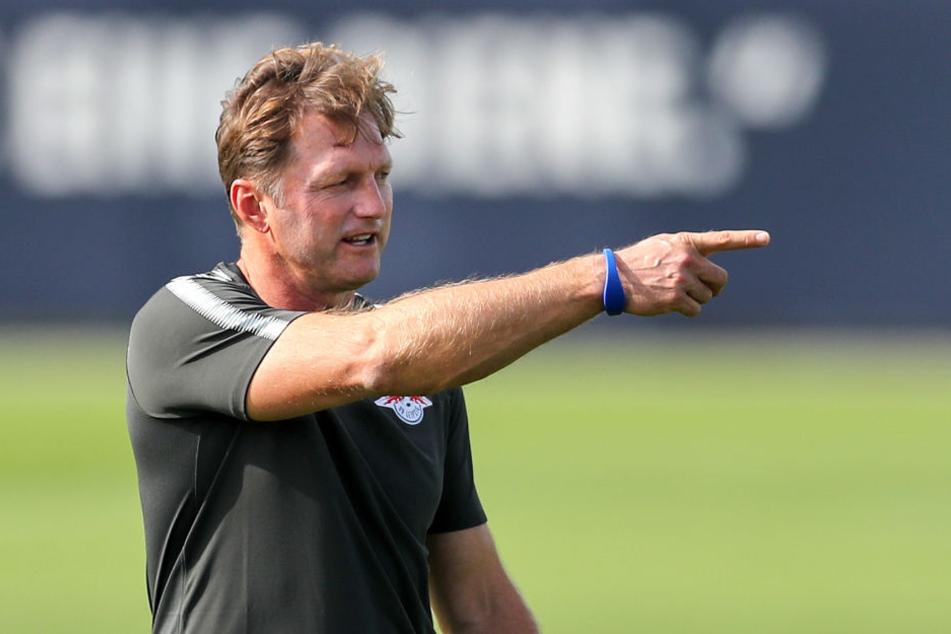 """Du bleibst draußen!"" RB-Coach Ralph Hasenhüttl hat angekündigt, gegen den Hamburger SV rotieren zu wollen."
