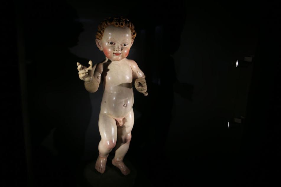 """Die Figur """"Schreitendes Christkind"""" wurde im 15 Jahrhundert von Michel Erhard geschnitzt."""