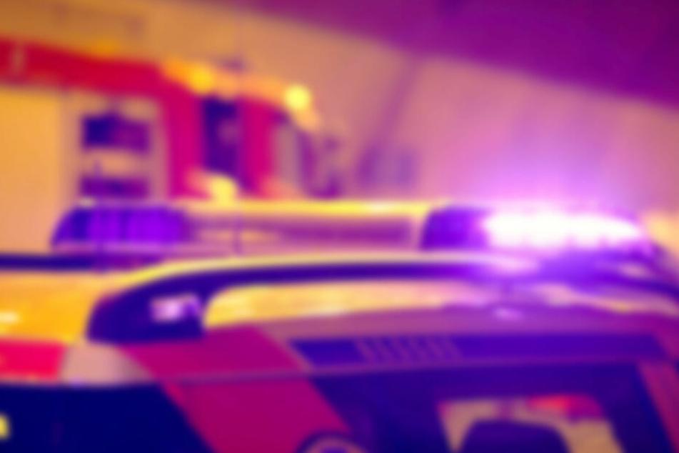 Unfall bei Kassel: Motorradfahrer (23) stirbt, zwei Menschen lebensgefährlich verletzt