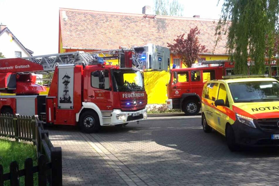 Notarzt und Feuerwehr waren vor Ort. Es konnte nur noch der Tod des 64-Jährigen festgestellt werden.