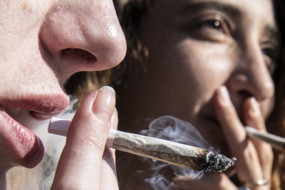 Cannabis für eine harmlose Droge gehalten, doch für Ungeborene hat die Droge gefährliche Folgen. (Symbolbild)