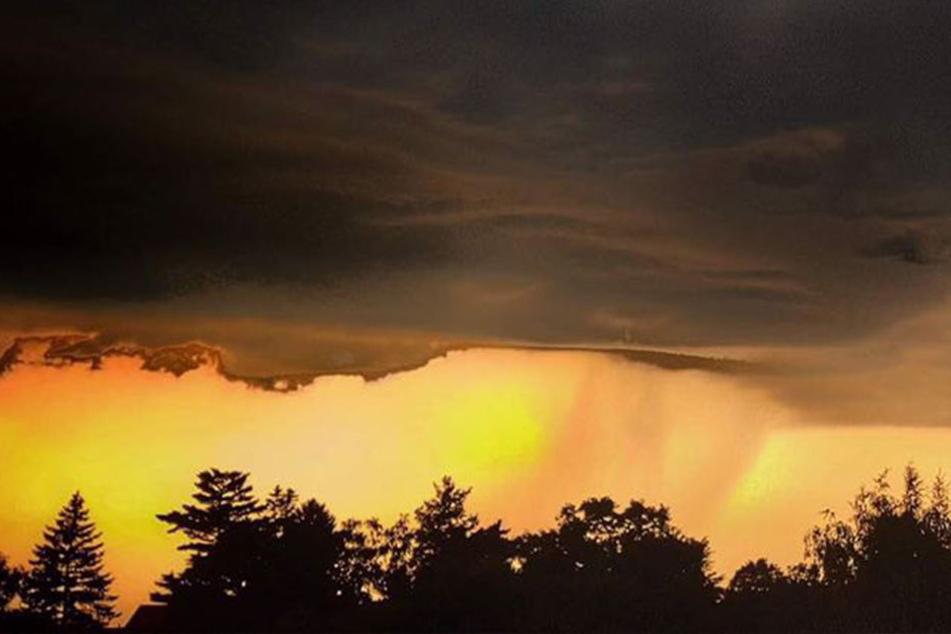 Warnung vor Tornados! Schwere Unwetter rollen auf Sachsen zu