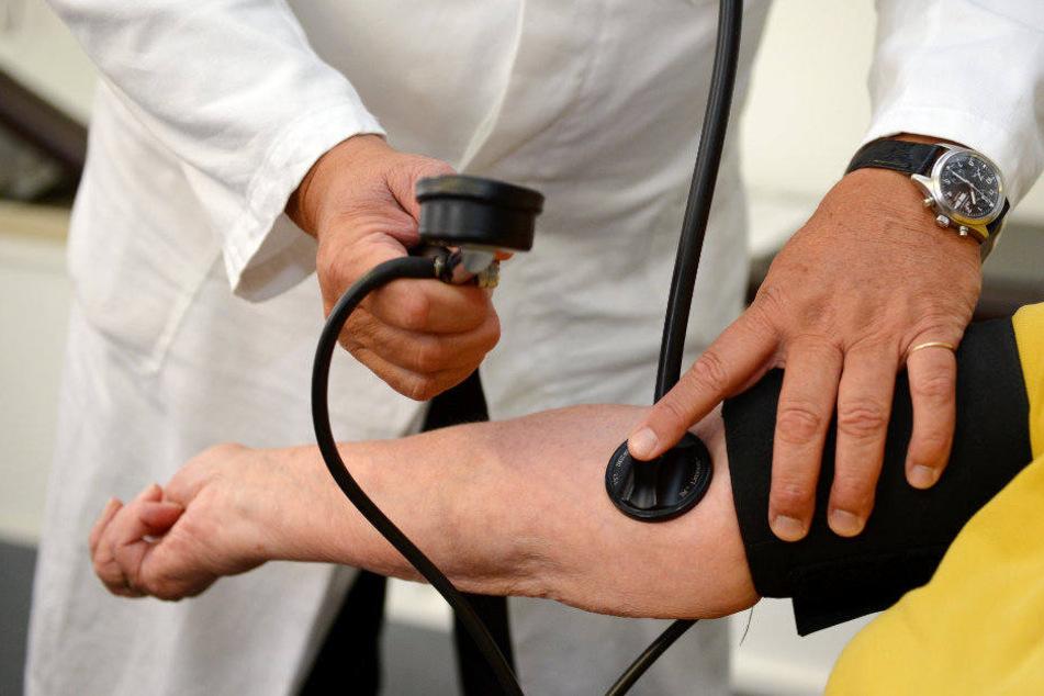 Sollten Ärzte aus Nicht-EU-Ländern das medizinische Staatsexamen in Deutschland nachholen? (Symbolbild)