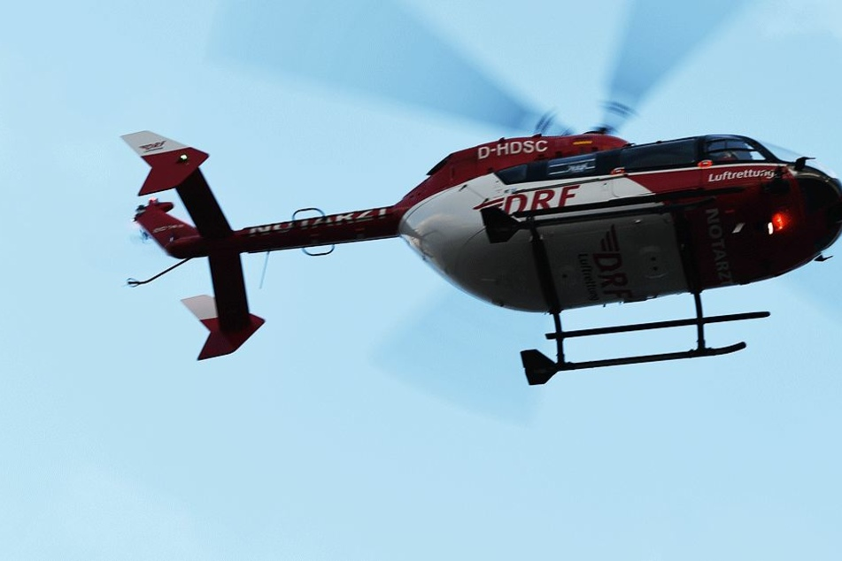 Schwer verletzt wurde der LKW-Fahrer per Rettungshubschrauber zum Westpfalz-Klinikum nach Kaiserslautern geflogen (Symbolbild).