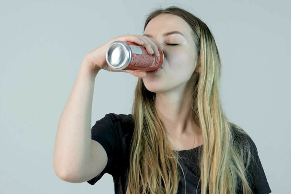 Kind trinkt Cola und muss sofort ins Krankenhaus