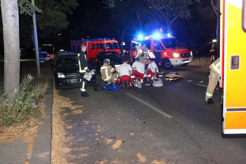 Der Fußgänger wurde offenbar schwer verletzt.