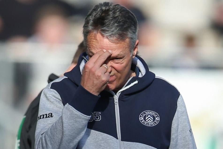 Schon während des Spiels verzweifelte DSC-Trainer Uwe Neuhaus ab und an.