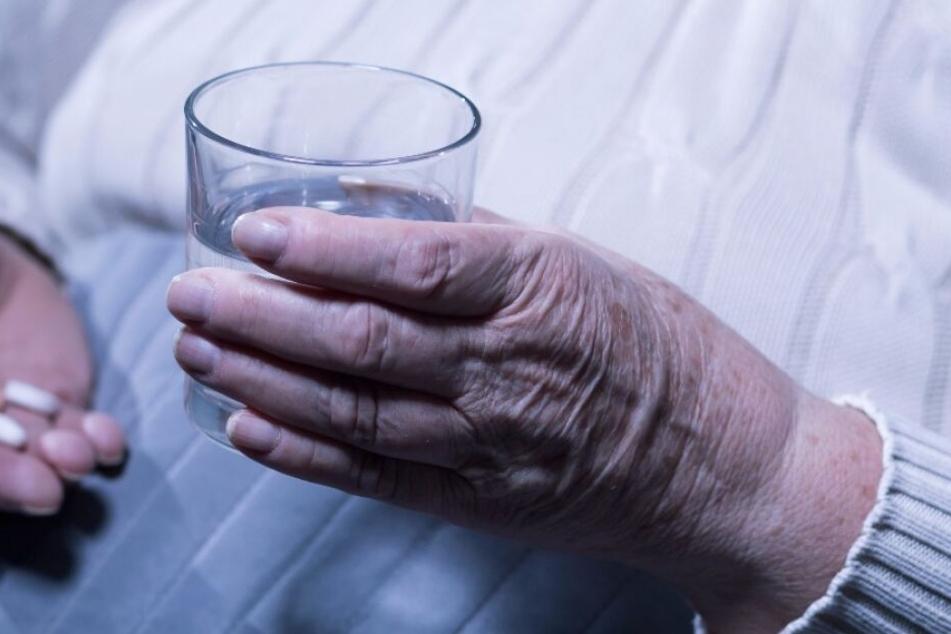 Die Frau des Angeklagten litt seit Jahren an Alzheimer. (Symbolbild)