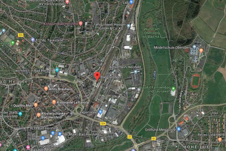 Der Täter konnte noch am Bahnhof von Bad Hersfeld festgenommen werden.