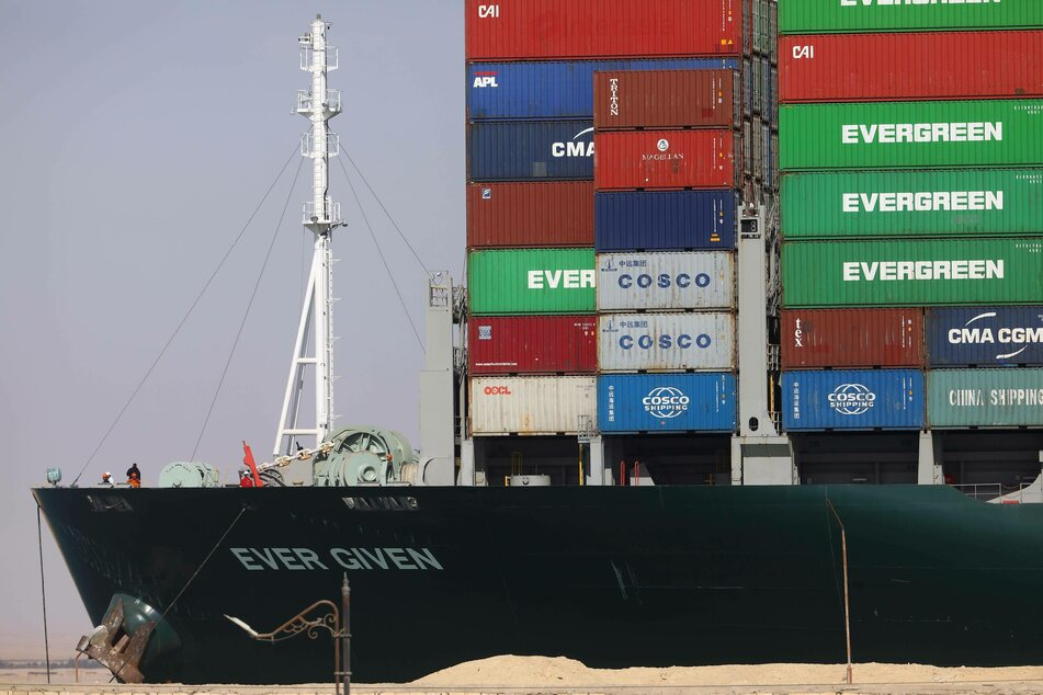Contrary to popular belief, Ever Green is the name of the shipping company, not the ship.