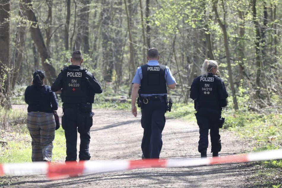 Leipzig: Leipziger Polizei sucht nach tödlicher Attacke im Auwald dringend Zeugen