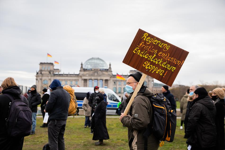 Coronavirus: Proteste vor Bundestag gegen Covid-Politik