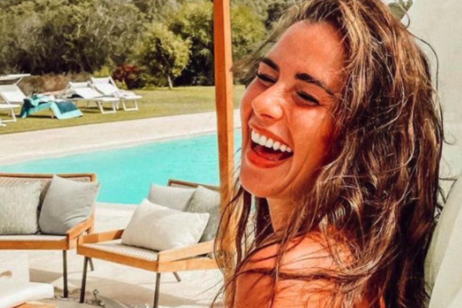 Im italienischen Luxus-Hotel: Sarah Engels präsentiert ihren Babybauch im Bikini