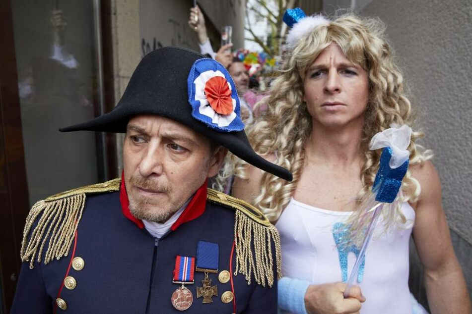 Erdogan Atalay (l.) als Napoleon und Daniel Roesner als Zahnfee.