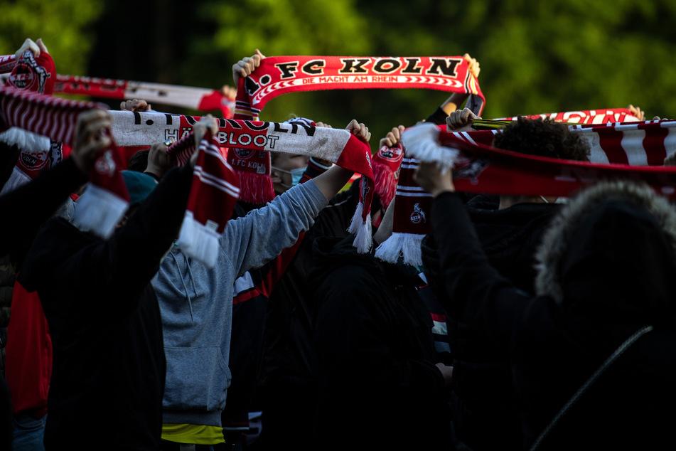 Schon letzte Woche fieberten die Kölner Fans mit. Sie wollen, dass ihr Klub in der 1. Bundesliga bleibt.
