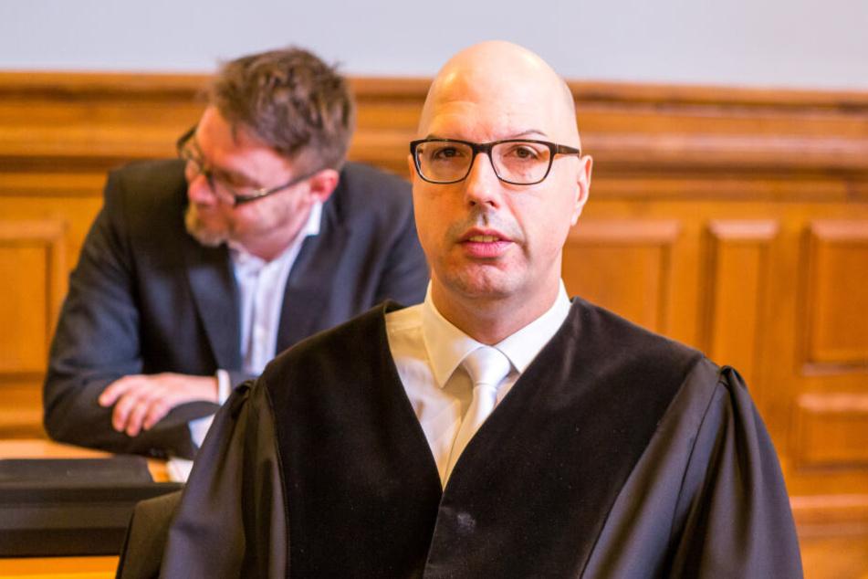 Rocker-Staatsanwalt Guido Lunkeit prüft nach dem Knallhart-Urteil des Landgerichts, ob weitere Hells Angels wegen gemeinschaftlichen Mordes angeklagt werden.