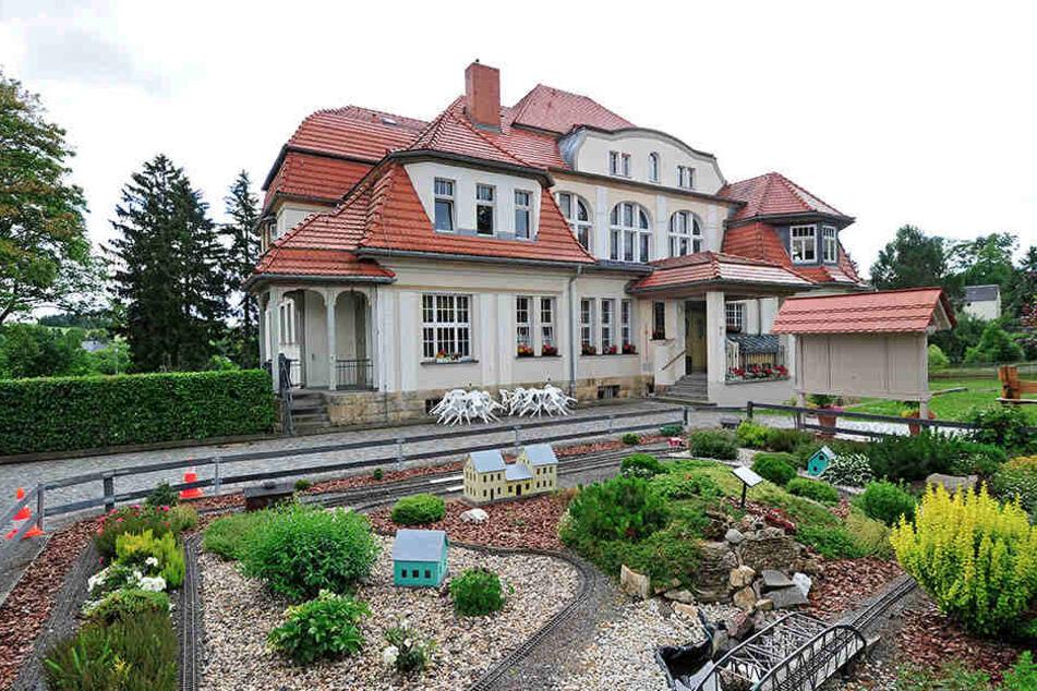 Hier wird kräftig gebaut: Die Baldauf Villa in Marienberg soll bald auch von Innen strahlen.