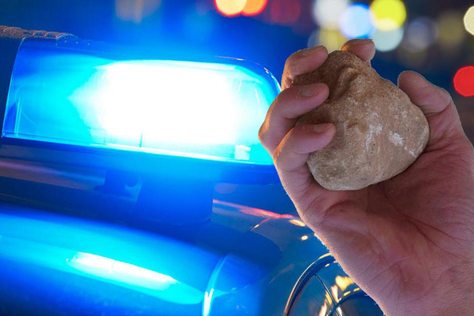 Mann schlägt Angestellte mit Stein bewusstlos und flüchtet
