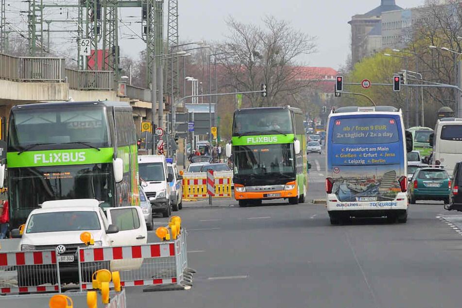 Noch immer ist die Bayrische Straße Dresdens Interims-Fernbusbahnhof. Das könnte sich ab 2020 ändern.