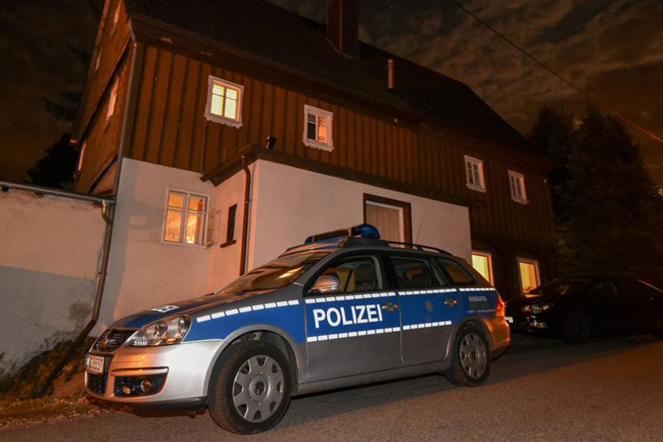 In diesem Oderwitzer Haus nahm Reichsbürger Andreas S. (56) seinen Vater  Reiner (85) als Geisel.