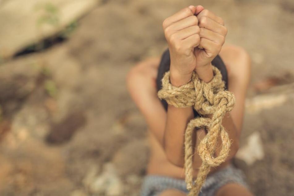 An Kindern zwischen zwei und zwölf Jahren soll sich der Mann vergangen haben. (Symbolbild)