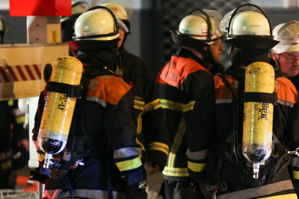 22-Jähriger droht, bei Wohnungsbrand zu sterben: Nachbar wird zum Helden