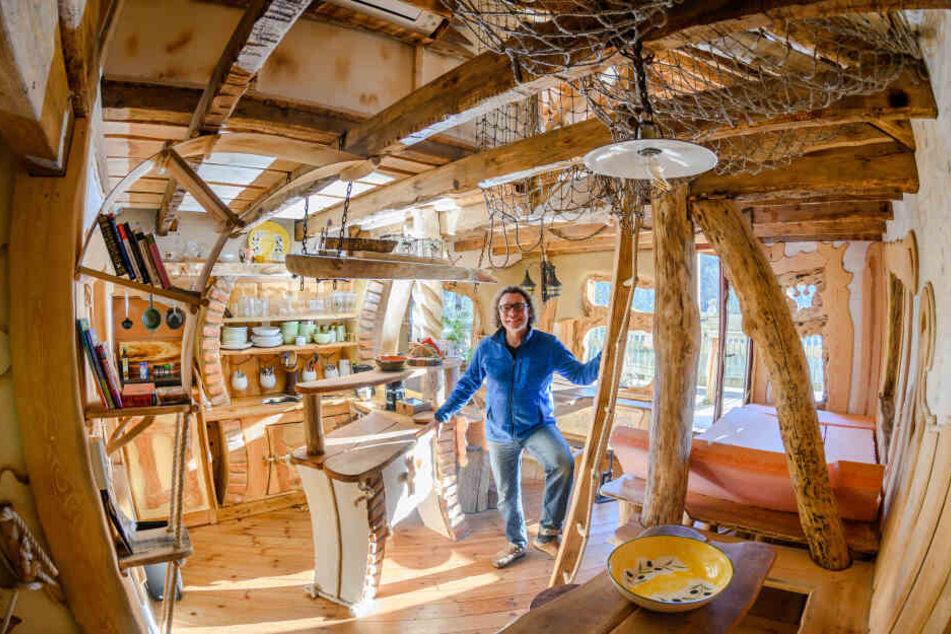 Lauter Baumhäuser Dieses Dorf Ist Wie Aus Dem Märchen