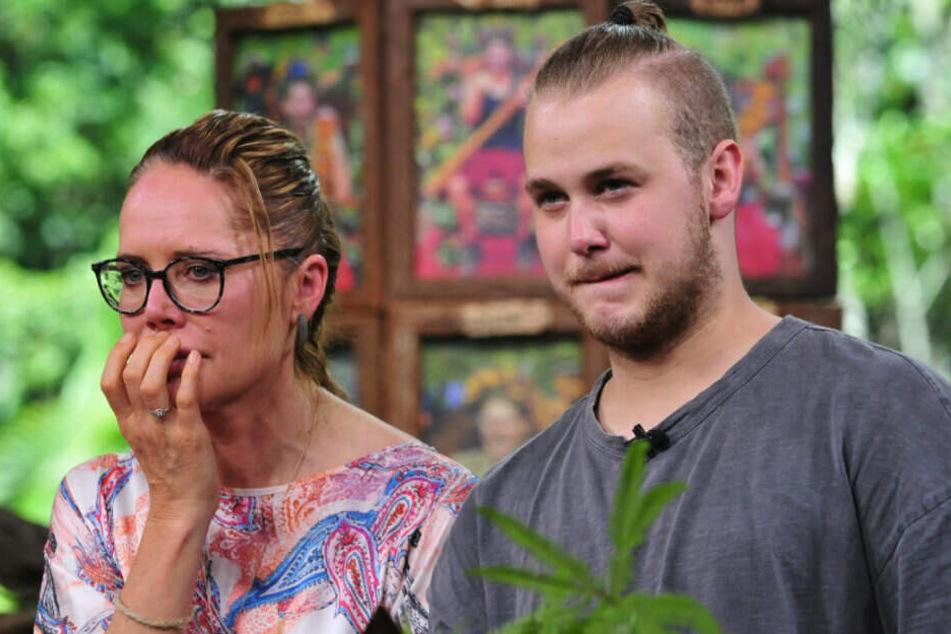 Felix von Deventer steht neben Doreen Diesel. 'Alle Infos zu 'Ich bin ein Star - Holt mich hier raus!' im Special bei RTL.de: https: //www.rtl.de/cms/sendungen/ich-bin-ein-star.html