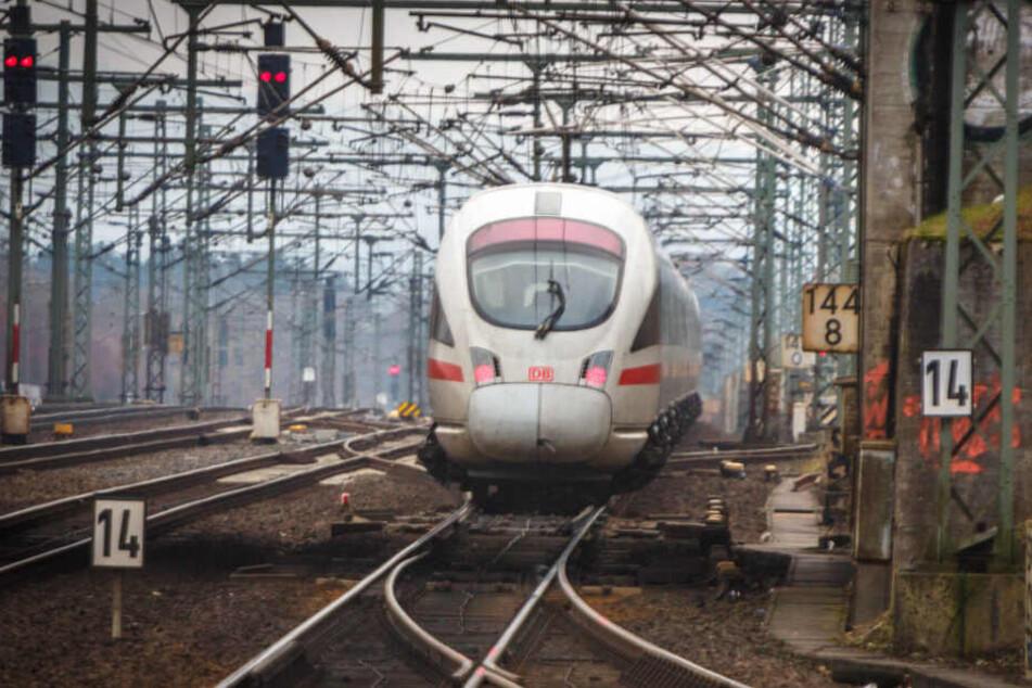 Die Elektrisierung wichtiger Schienenverbindungen, etwa Richtung Polen oder zwischen Chemnitz und Leipzig, steht ganz oben auf der To-do-Liste der neuen Staatsregierung.