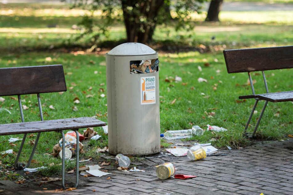 Kameras werden ausgewertetFrau entdeckte Beine im Müllcontainer in Rom